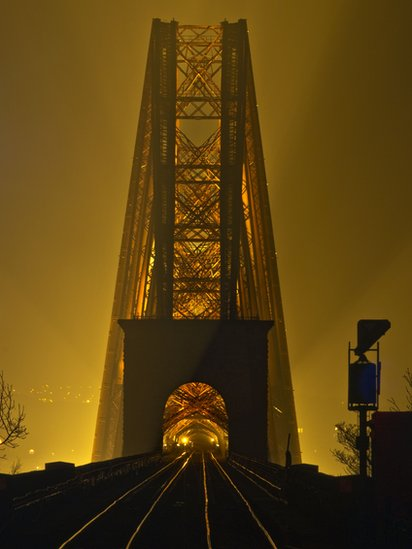 https://tributetovenus.files.wordpress.com/2015/12/forth-bridge.jpg